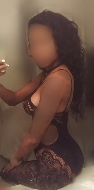Touria outcall escort in Bainbridge