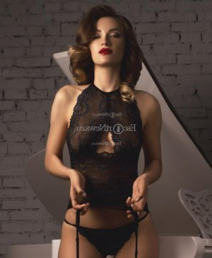 Ocelia independent escort