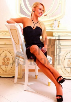 Lauryane outcall escort in Hawthorne