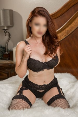 Emilie-rose milf outcall escort in Hillsborough