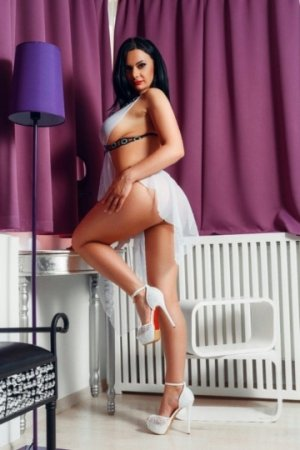 Kimie outcall escorts in Cherry Creek Colorado