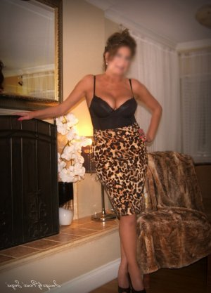 Iseult escort girl in Cherry Creek